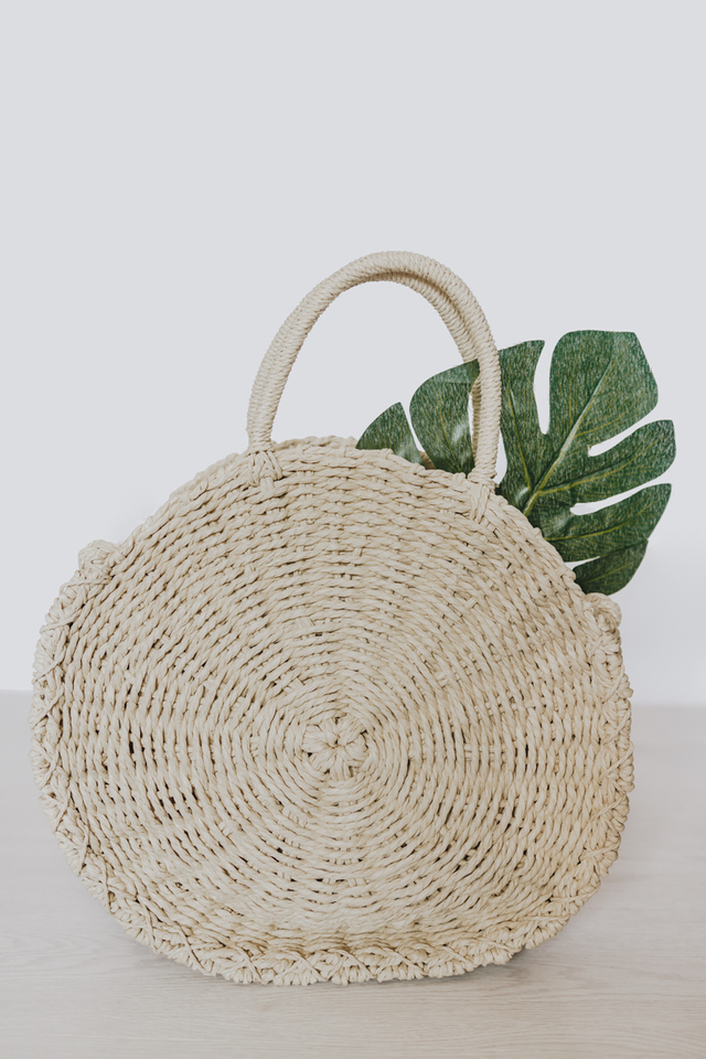 CIRCULAR STRAW BAG CREAM (MEDIUM)