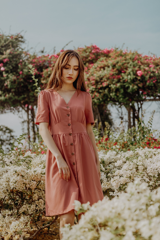 BUTTONED SLEEVE MIDI (ROSE PINK)