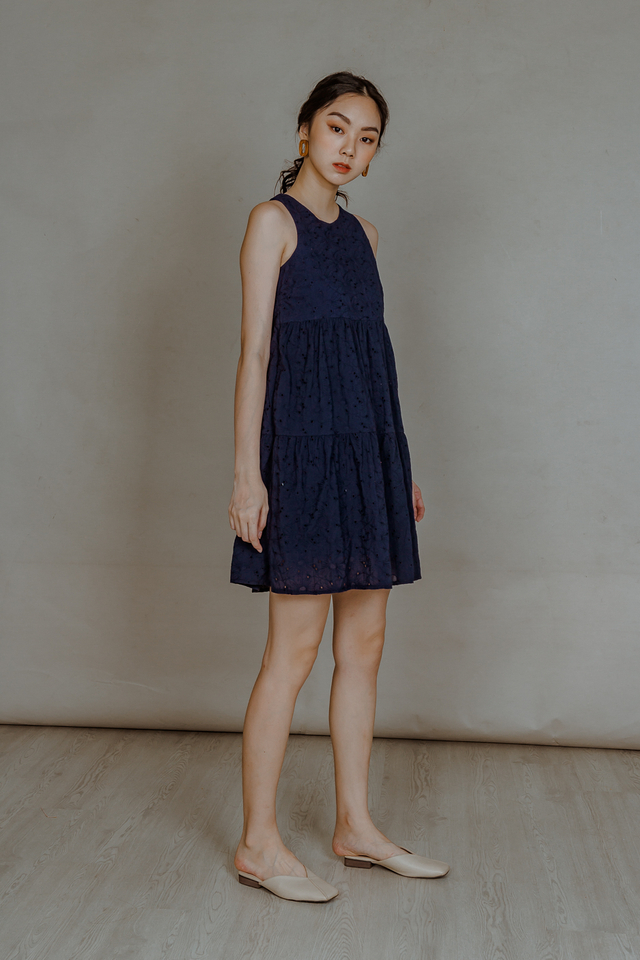 EYELET TIERED DRESS (NAVY)