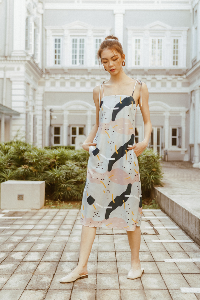 KNOTTED RIBBON SLIP ON MIDI DRESS (ABSTRACT PRINT)