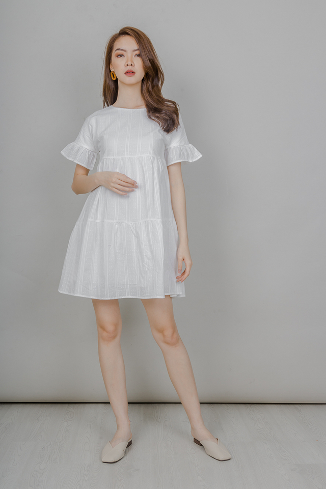 RUFFLE SLEEVE BABYDOLL TIERED DRESS (WHITE)