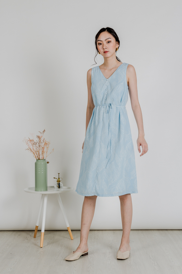 LINE LEAF BUTTON MIDI DRESS (BLUE)