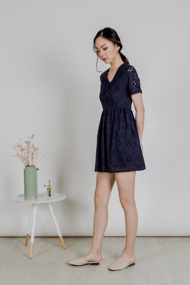 BABYDOLL SLEEVE DRESS (EYELET NAVY)