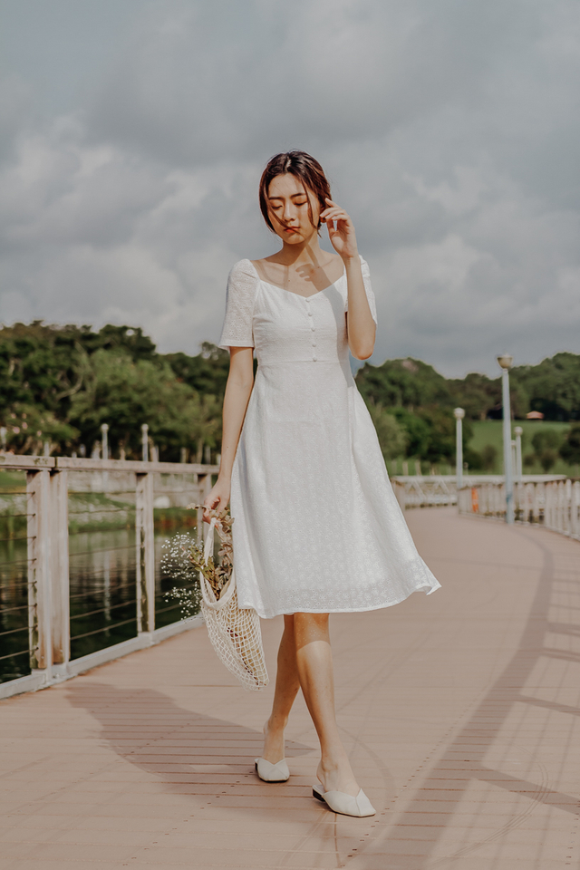 JALINE EYELET PUFF SLEEVE MIDI DRESS (WHITE)