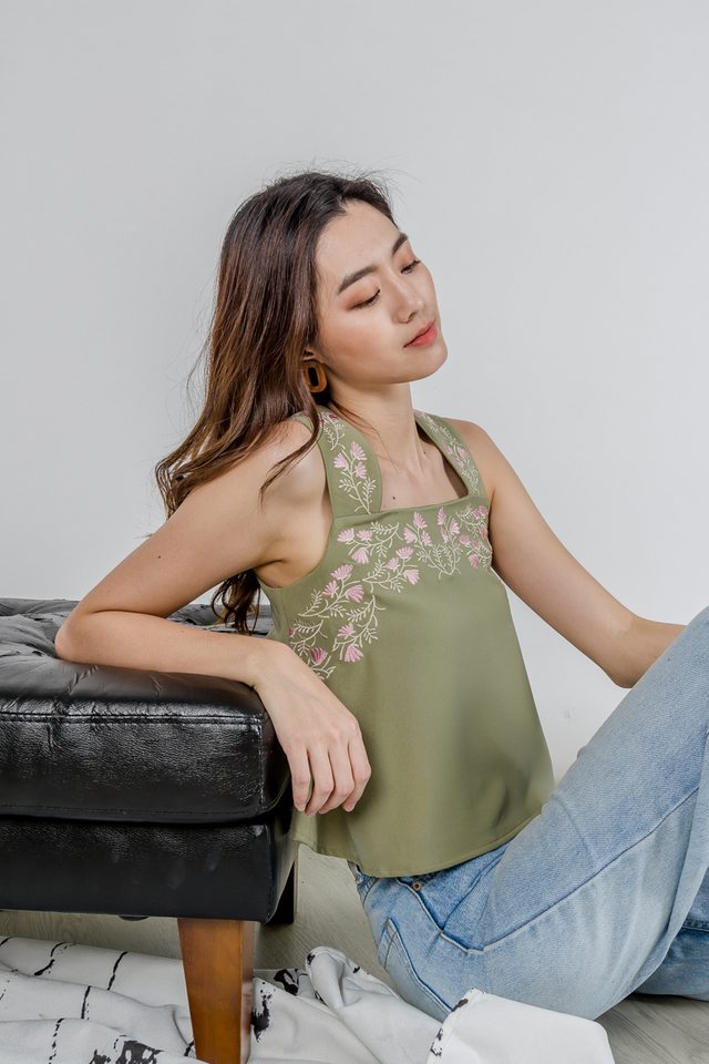 LUCY EMBROIDERY TOP (SAGE GREEN)