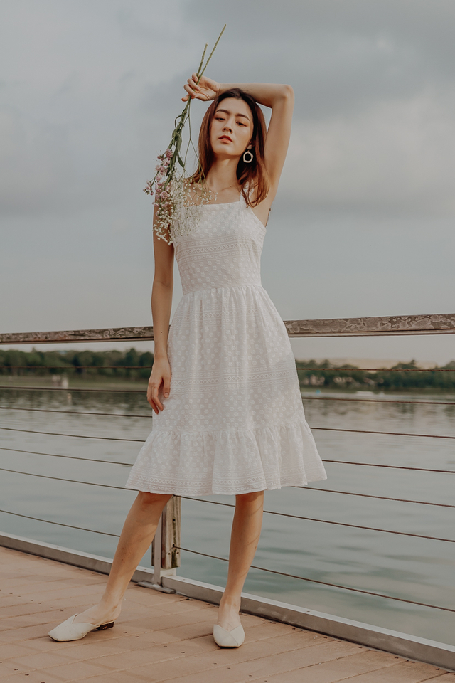 EYELET RUFFLE SLEEVE MIDI DRESS (WHITE)