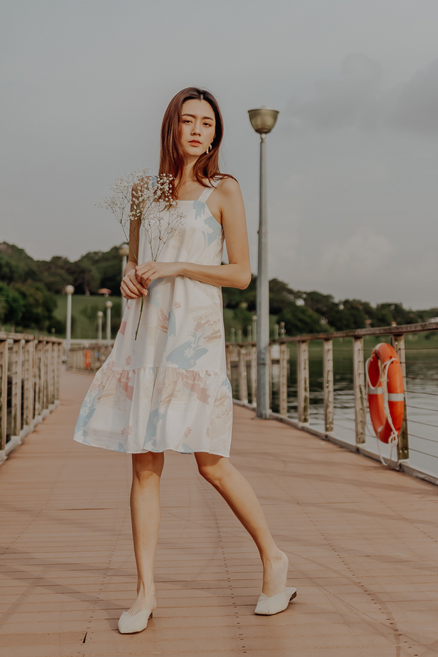 BLOOMING ABSTRACT RUFFLE HEM DRESS (SKY)