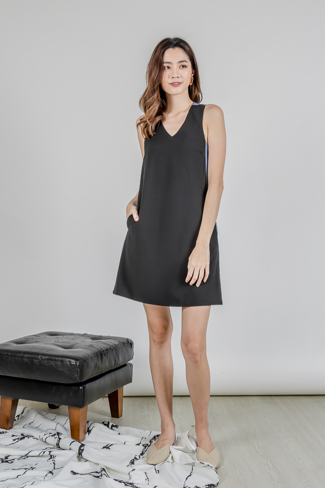 MELSON DUAL TONE KNOTTED DRESS (BLACK/BLUE)
