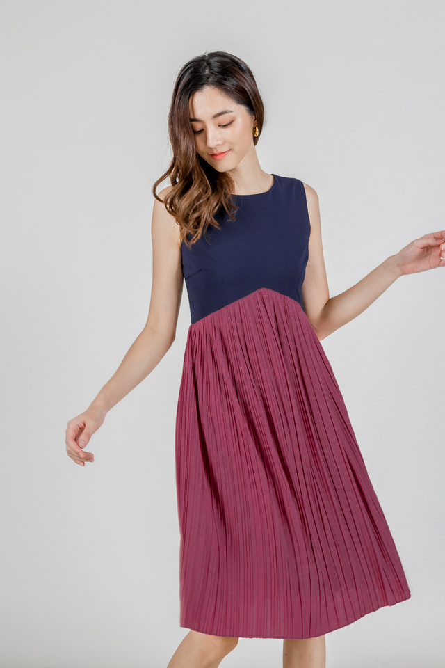 COLOURBLOCK V WAIST PLEAT MIDI DRESS (NAVY/BERRY PINK)