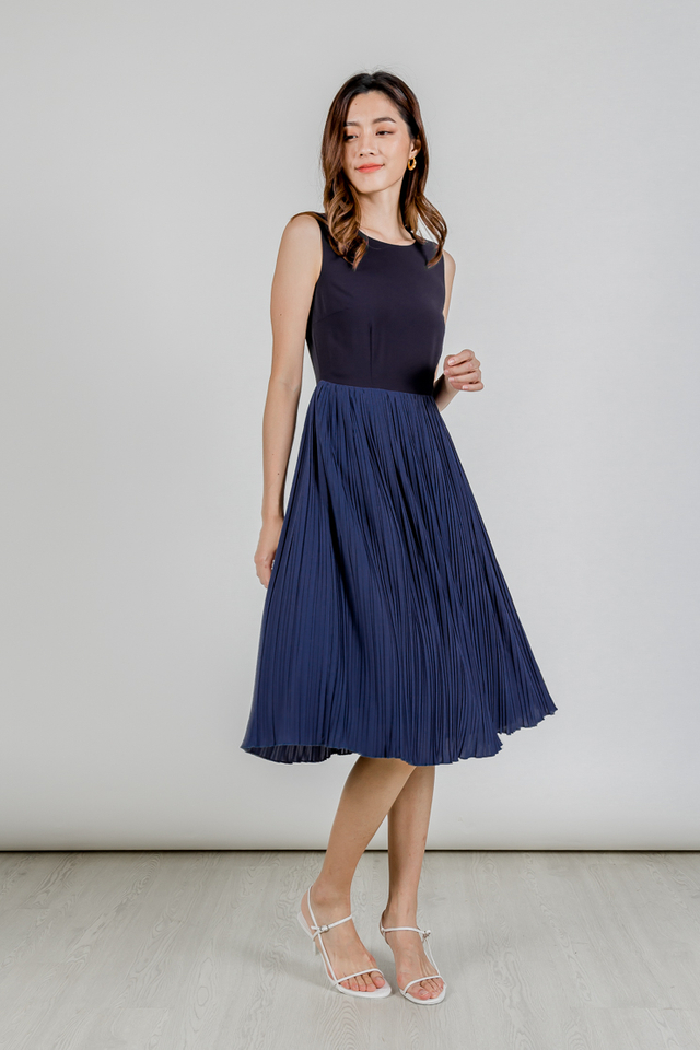 JORENE COLOURBLOCK PLEAT MIDI DRESS (NAVY)