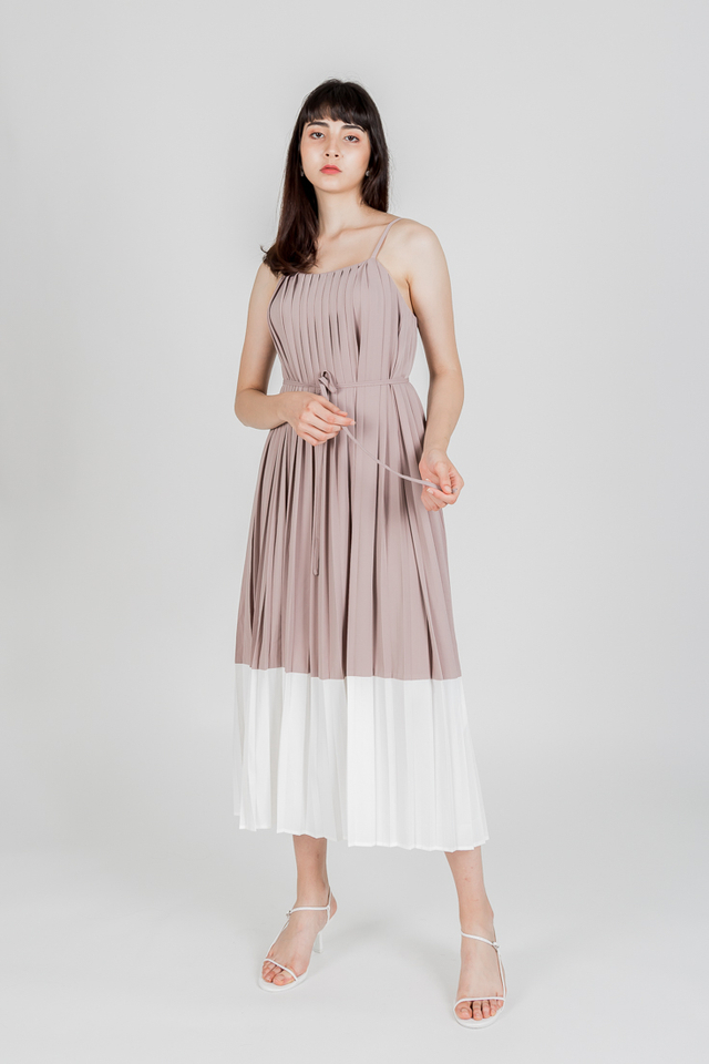 THOUSAND MILES COLOURBLOCK PLEAT MAXI DRESS (MOTH)