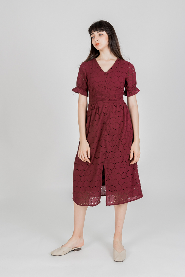 NOVEL EYELET RUCH WAIST MIDI DRESS (WINE RED)