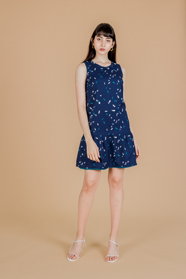 REVERSIBLE ABSTRACT RUFFLE HEM DRESS (NAVY)