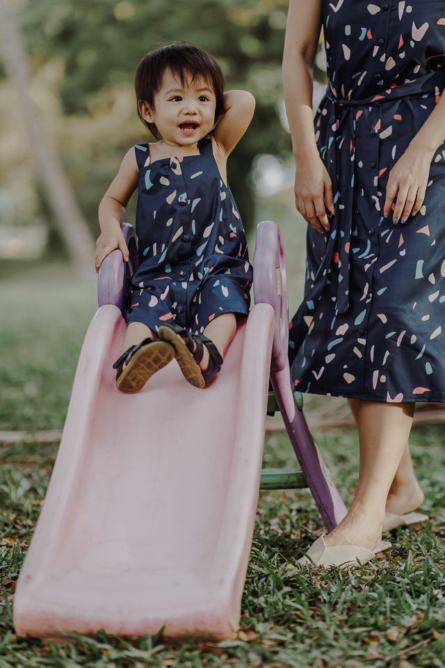 CONFETTI PRINT DRESS (NAVY)