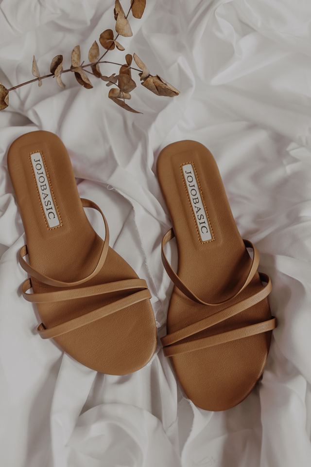 MONICA TRIO STRAP SANDALS (BROWN)
