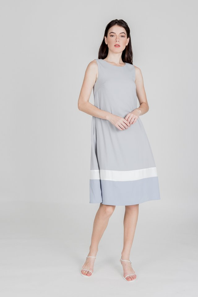 LEQUE COLOURBLOCK MIDI DRESS (DUSTY BLUE)