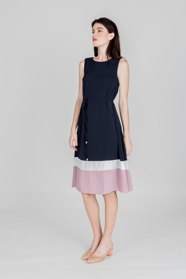 LEQUE COLOURBLOCK MIDI DRESS (NAVY)