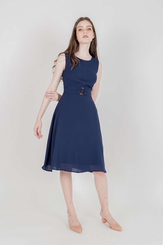 SERA RING BUCKLE MIDI DRESS (NAVY)