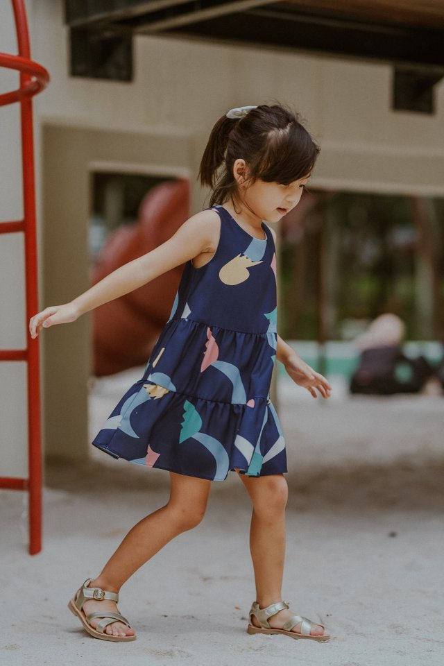 LITTLE LEGONA TIER DRESS (NAVY)