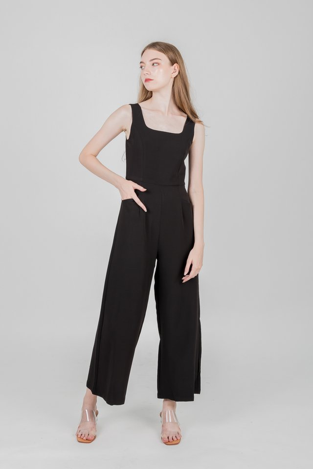 IORA JUMPSUIT (BLACK)
